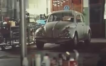 A incrível história da concessionária VW fechada desde 2002 que ainda guarda vários carros antigos 0km