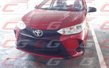 Toyota Yaris 2021 com visual atualizado é flagrado sem camuflagem